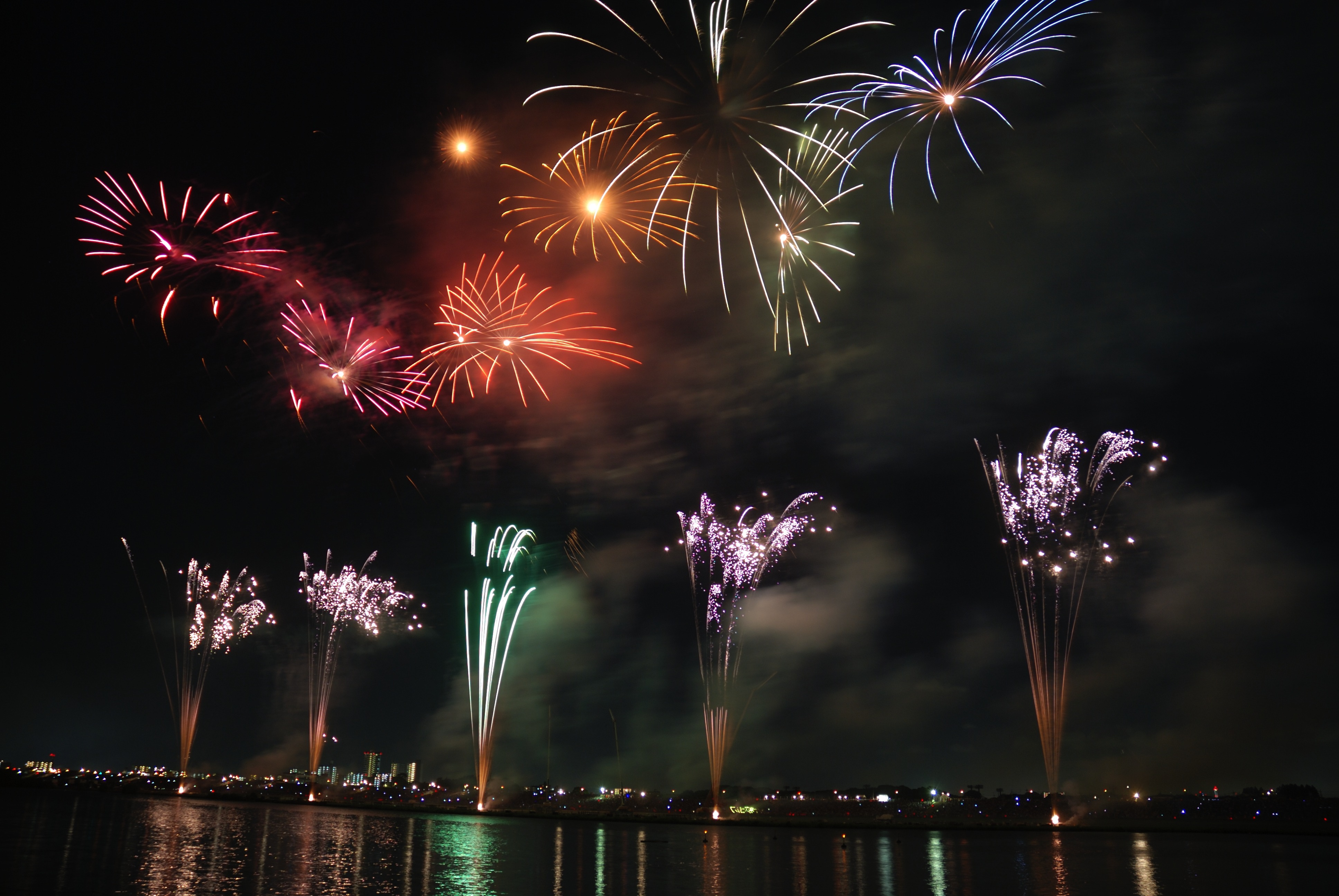 fireworks-colorful-sky-night-73814